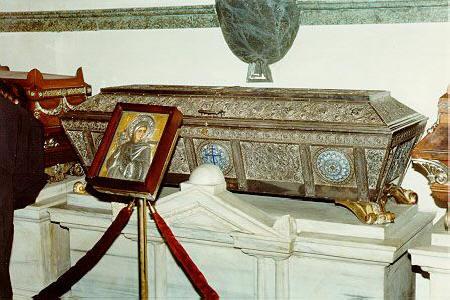 Мощите на св. Евфимия Всехвална в подворието на Вселенския патриархат. Източник: http://tropinka.orthodoxy.ru