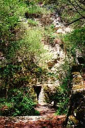 Аладжа манастир - катакомбите